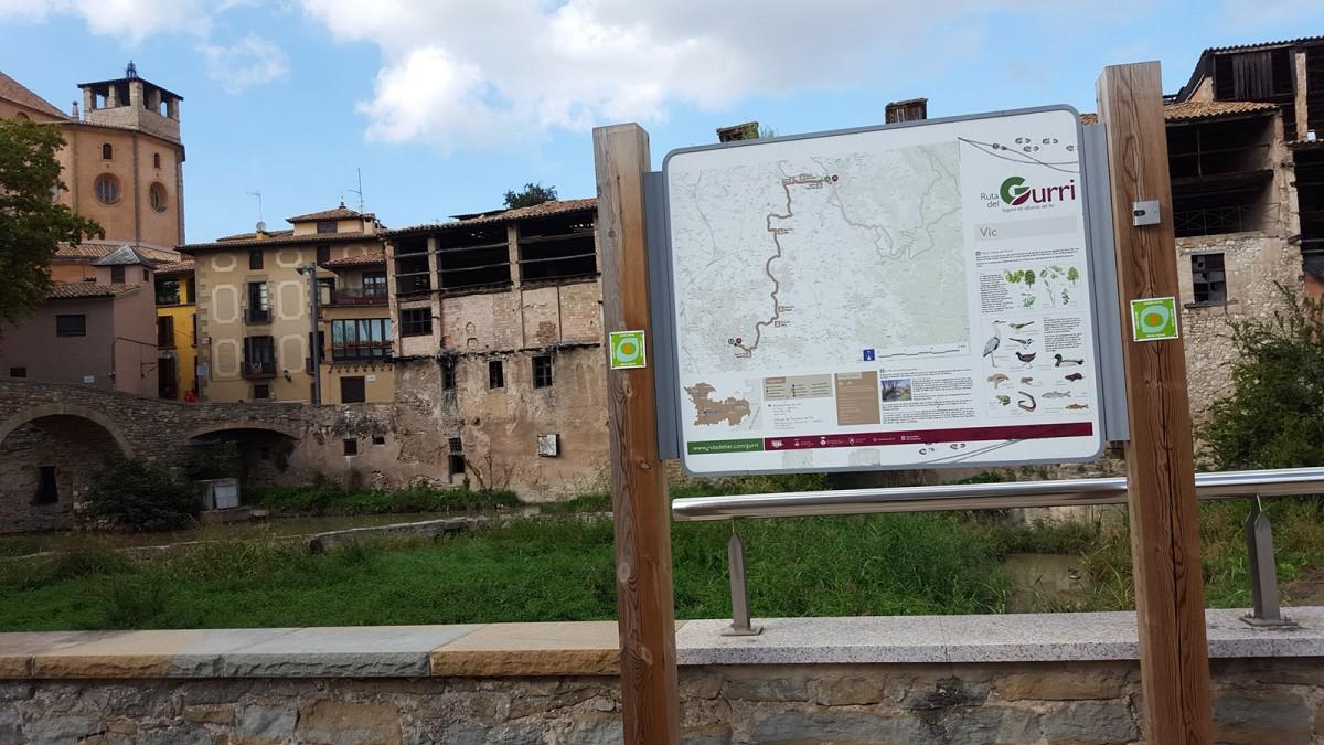 Un dels cartells fabricats per Dilart inclosos dins l'Anella Verda de Vic