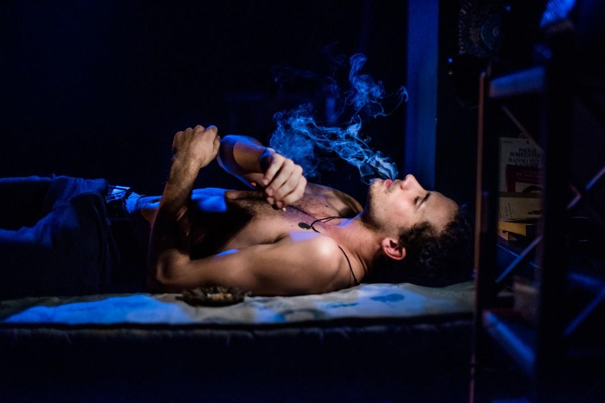 L'actor Oriol Pla en un moment de l'obra Ragazzo