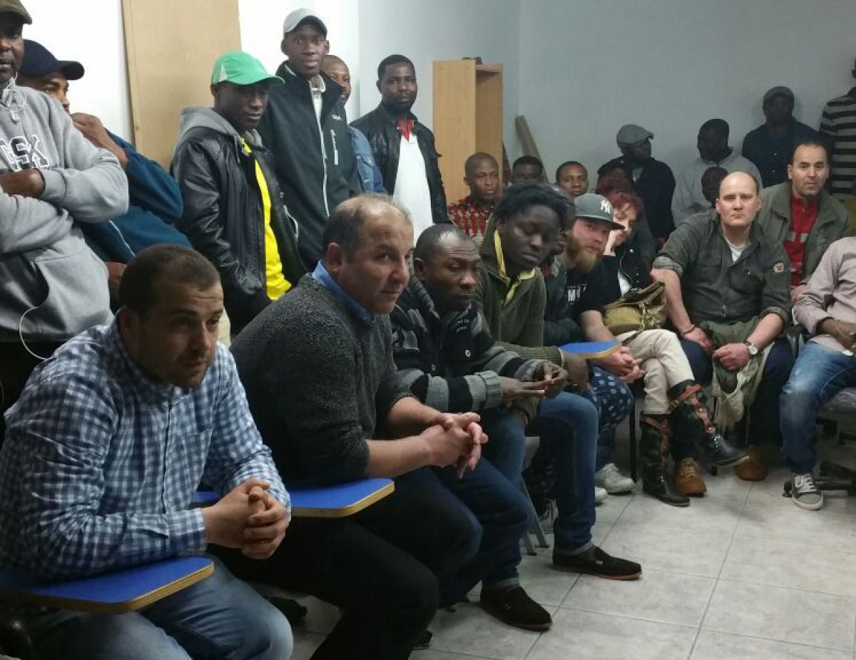 Assemblea de treballadors de dues de les falses cooperatives que operen a Le Porc Gourmet, dissabte a Vic