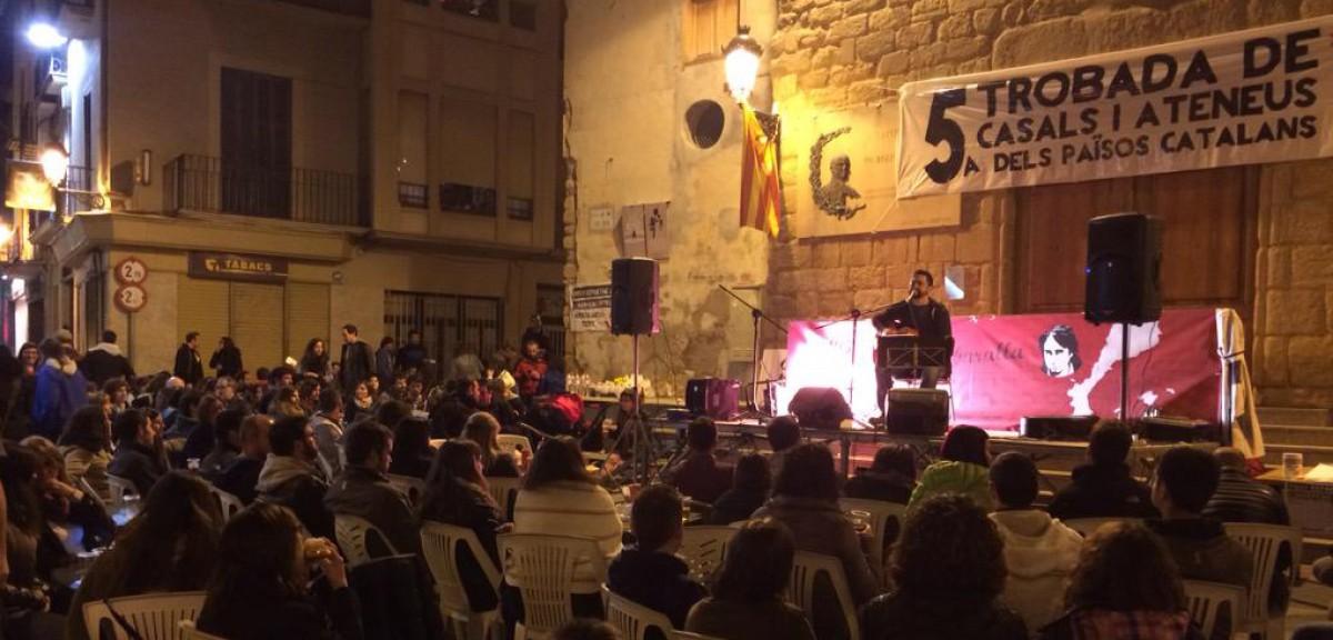 Un dels concerts de la Trobada de Casals i Ateneus de 2015 a Berga