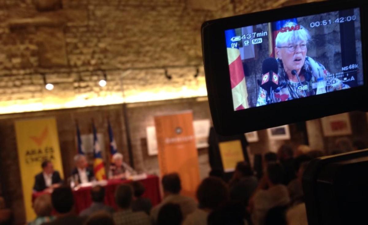 Pilar Cabot, durant l'homenatge que li va fer la Marxa dels Vigatans per la Diada de 2014