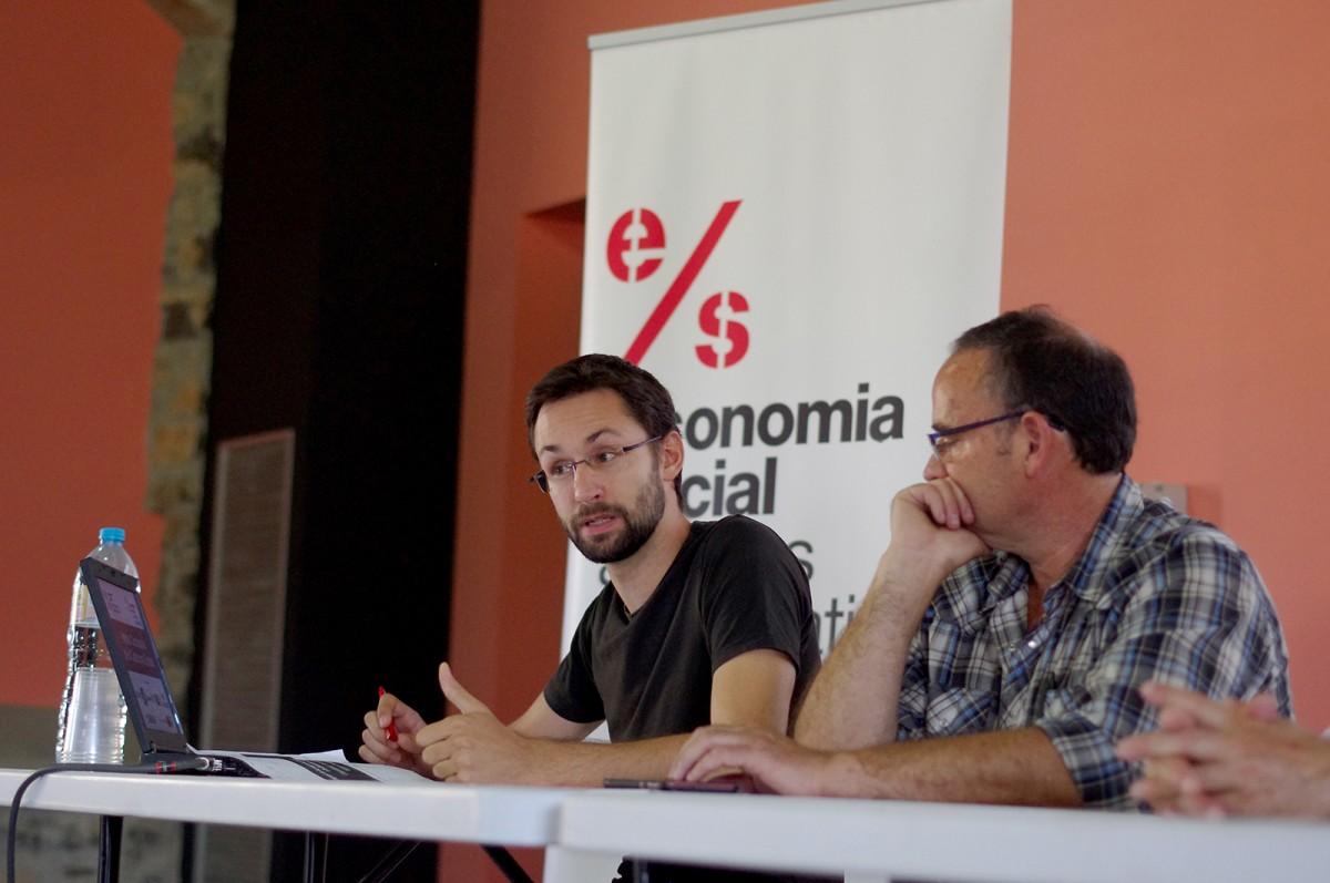 Bernat Marquilles, a l'esquerra, presentant la Diagnosi a Santa Maria d'Oló