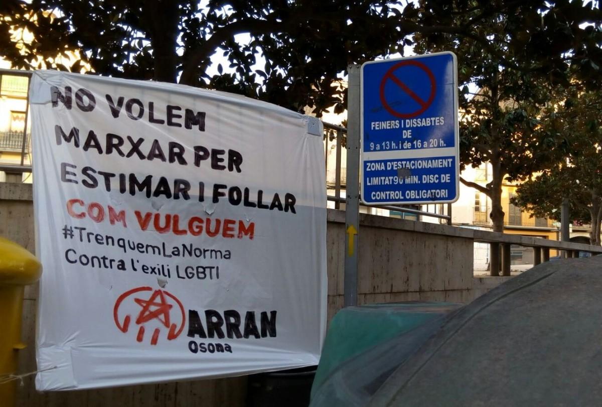 Pancarta que Arran ha penjat a Roda de Ter