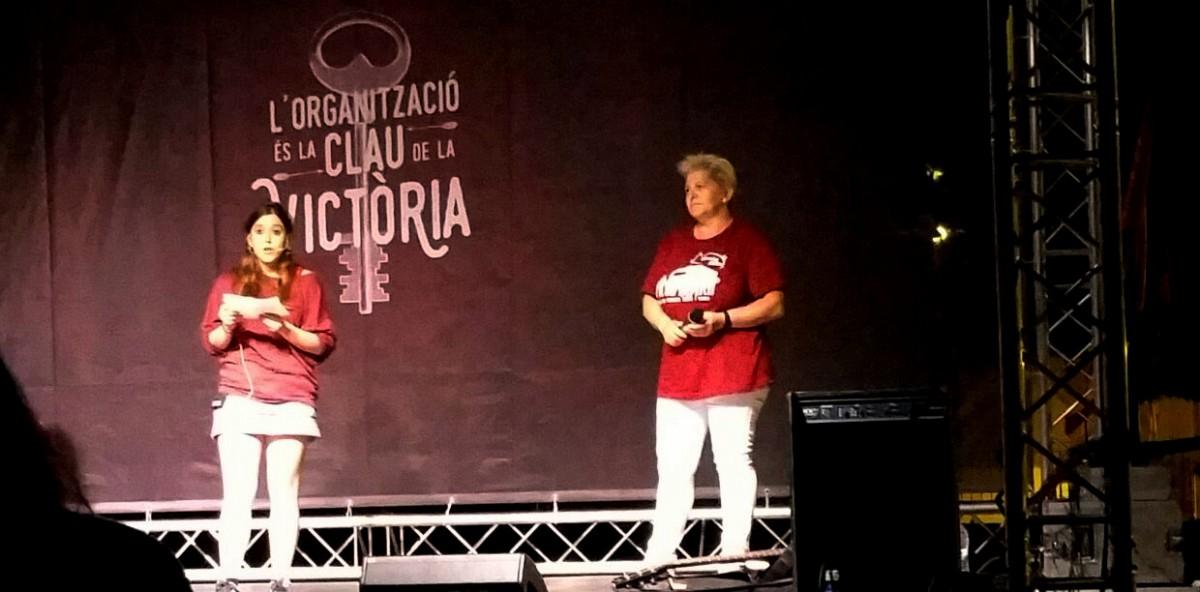 Montse Castañé, a la dreta, en un acte de campanya d'Arran a Barcelona