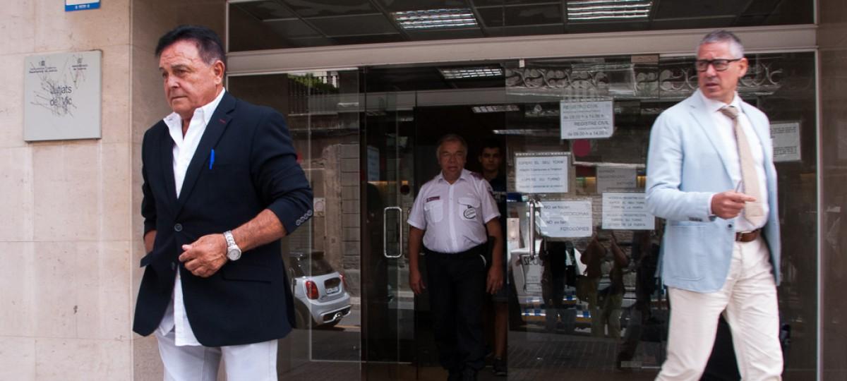 Josep Ramisa, sortint del jutjat de Vic, en una imatge de juliol de 2016