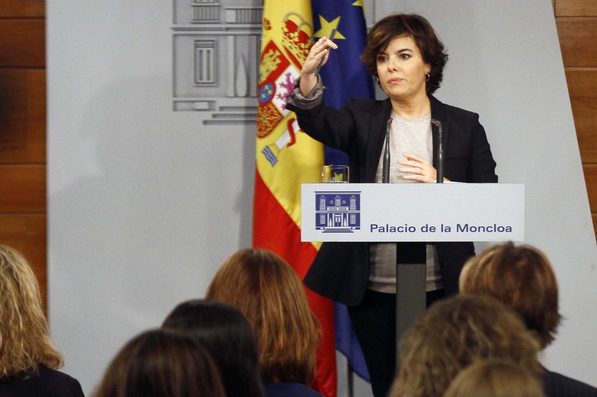 Soraya Sáenz de Santamaría responent a Carles Puigdemont en roda de premsa