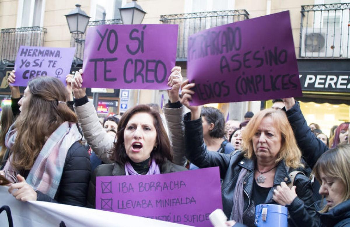 Concentració de suport a la víctima de 'La Manada'