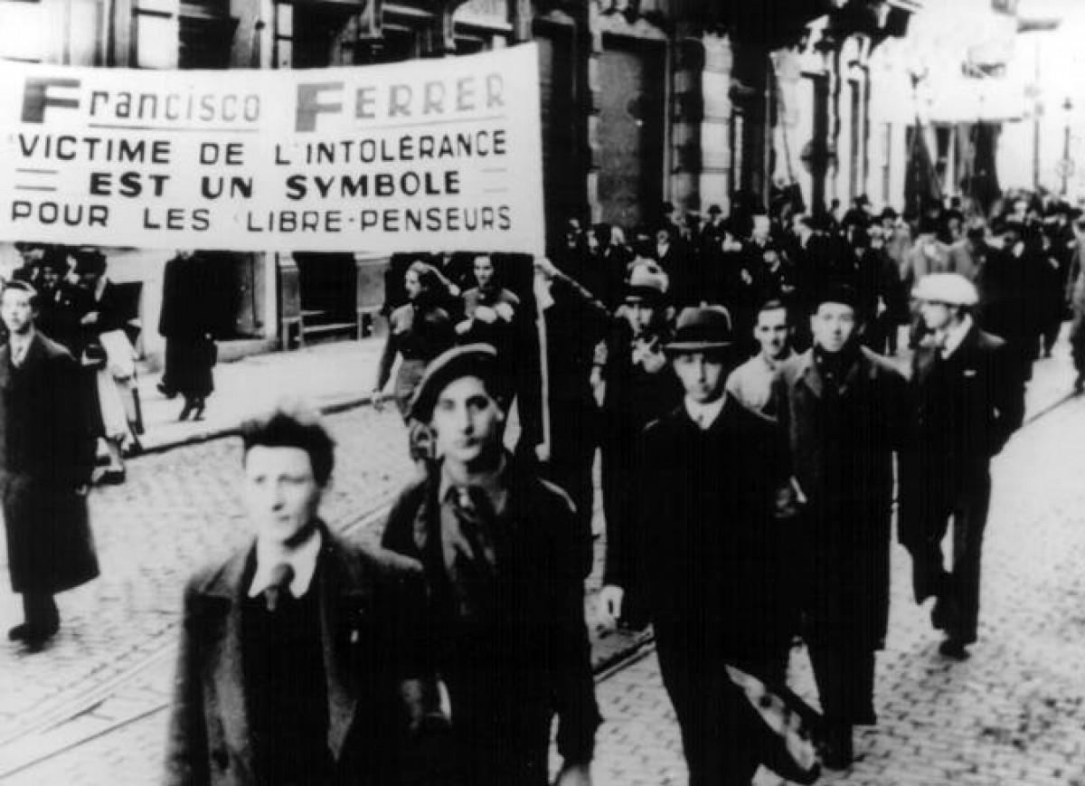 Manifestació a París en protesta per l'afusellament de Ferrer i Guàrdia