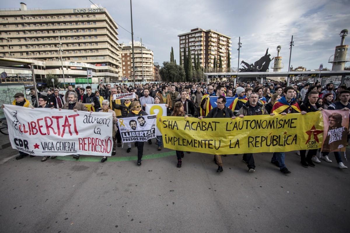 Mobilització al voltant de l'Estació de Sants de Barcelona contra el procediment pel tall de les vies del 8 de novembre