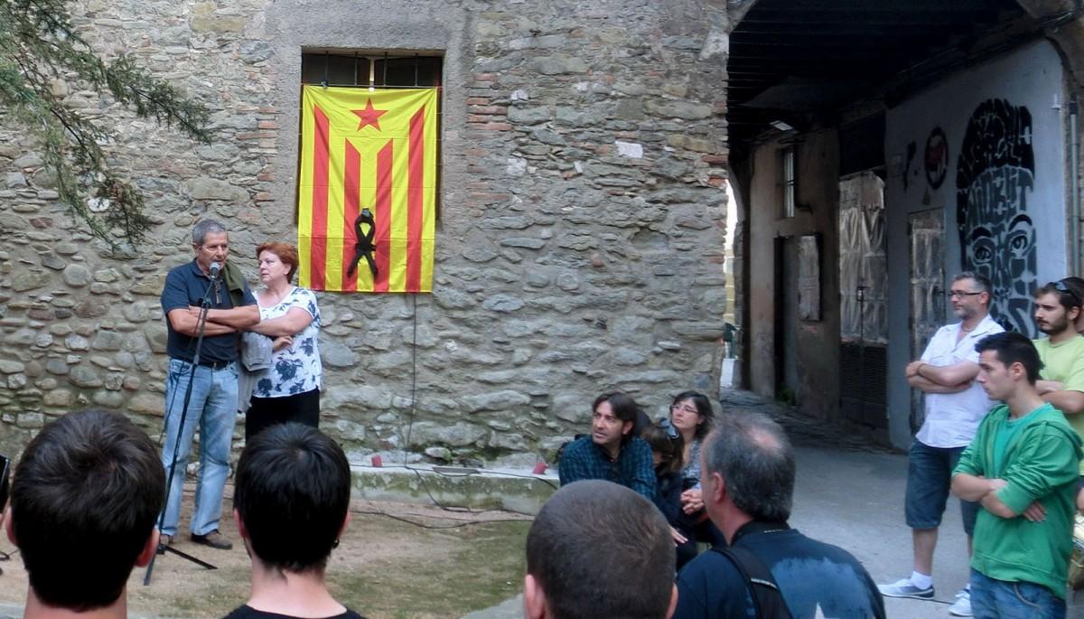 Els pares de Guillem Agulló, a l'homenatge que ja se li va fer a Vic el juny de 2013, quan se li va dedicar un espai de la ciutat coincidint amb el 20è aniversari de l'assassinat