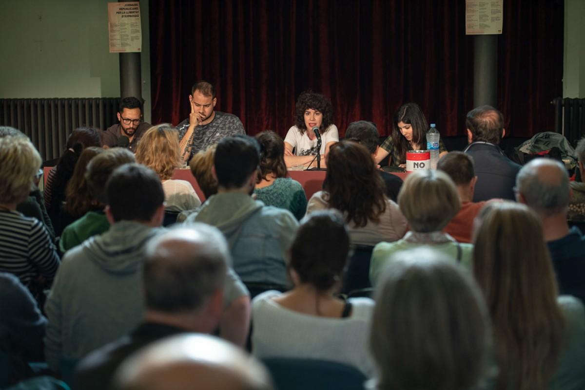 Valtonyc, Pablo Hasél, Edurne Vega i Sara Blázquez, amb la sala plena a rebentar, aquest dissabte al Casino