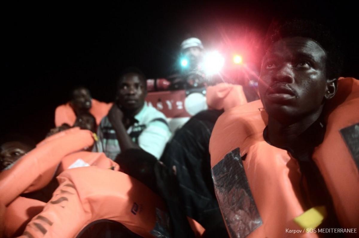 Persones refugiades rescatades per l'ONG SOS Mediterranée, que viatja a bord del vaixell Aquarius