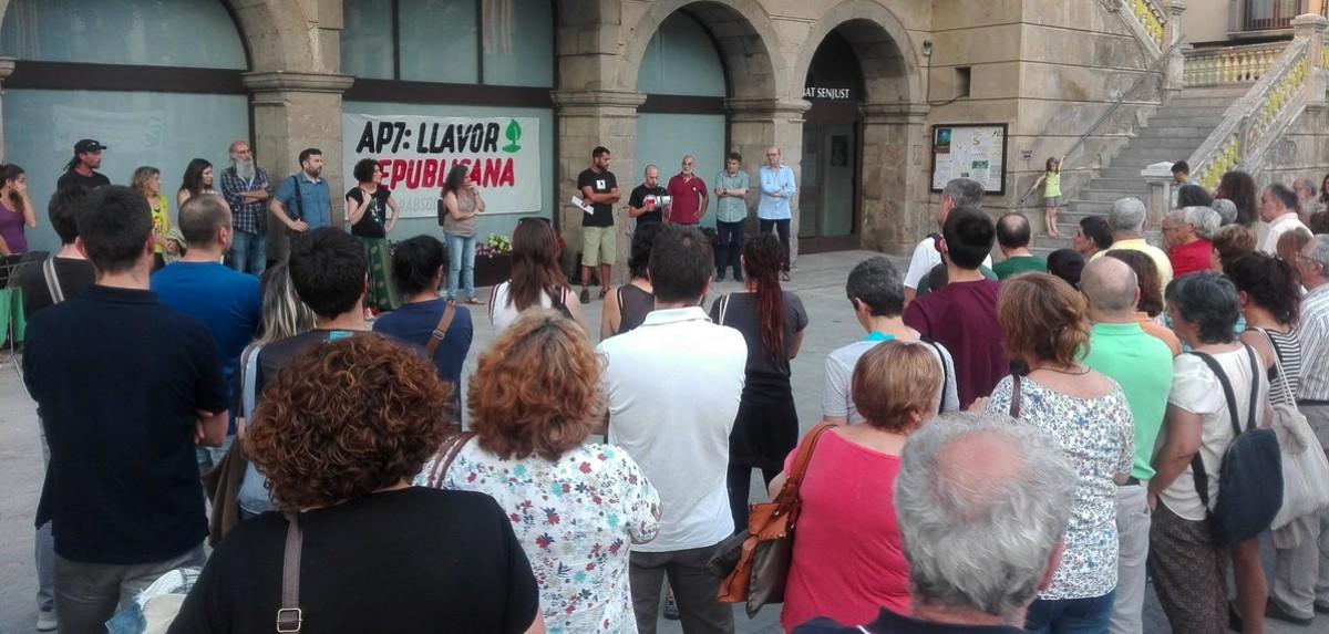 Acte de la campanya Llavor Republicana en suport als dos represaliats del Ripollès pel tall de carretera de l'AP7, aquest dijous a Ripoll