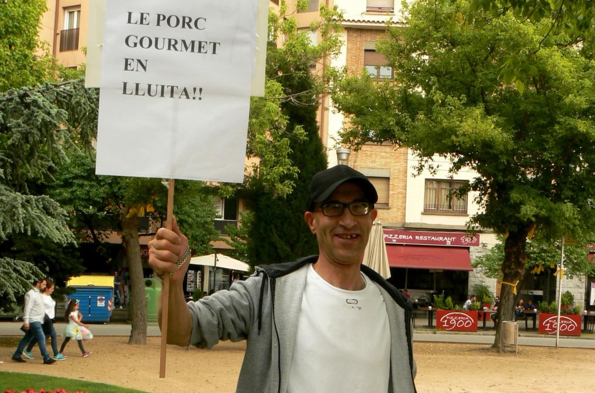 Mohammed Laghmari, en una concentració de Càrnies en Lluita