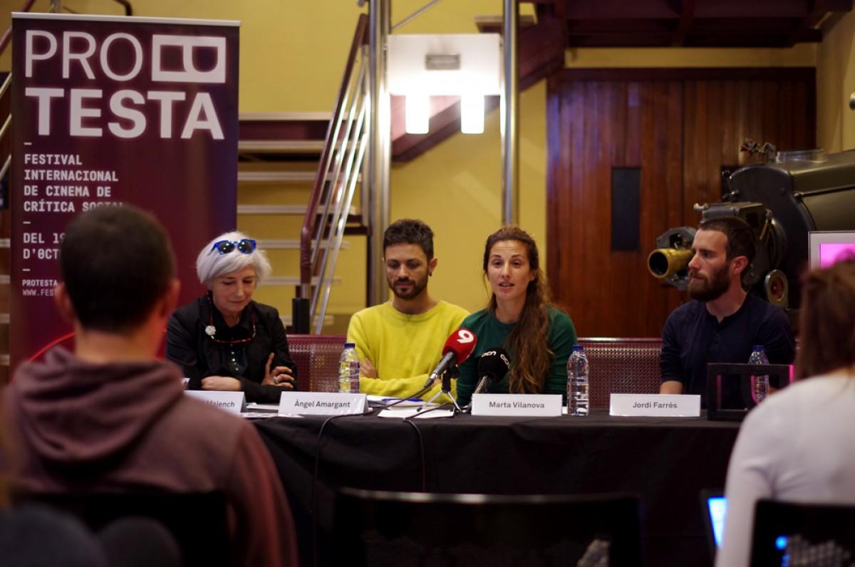 Montserrat Majench, Àngel Amargant, Marta Vilanova i Jordi Farrés a la roda de premsa de presentació del Festival Protesta, aquest dimarts al Cinema Vigatà de Vic