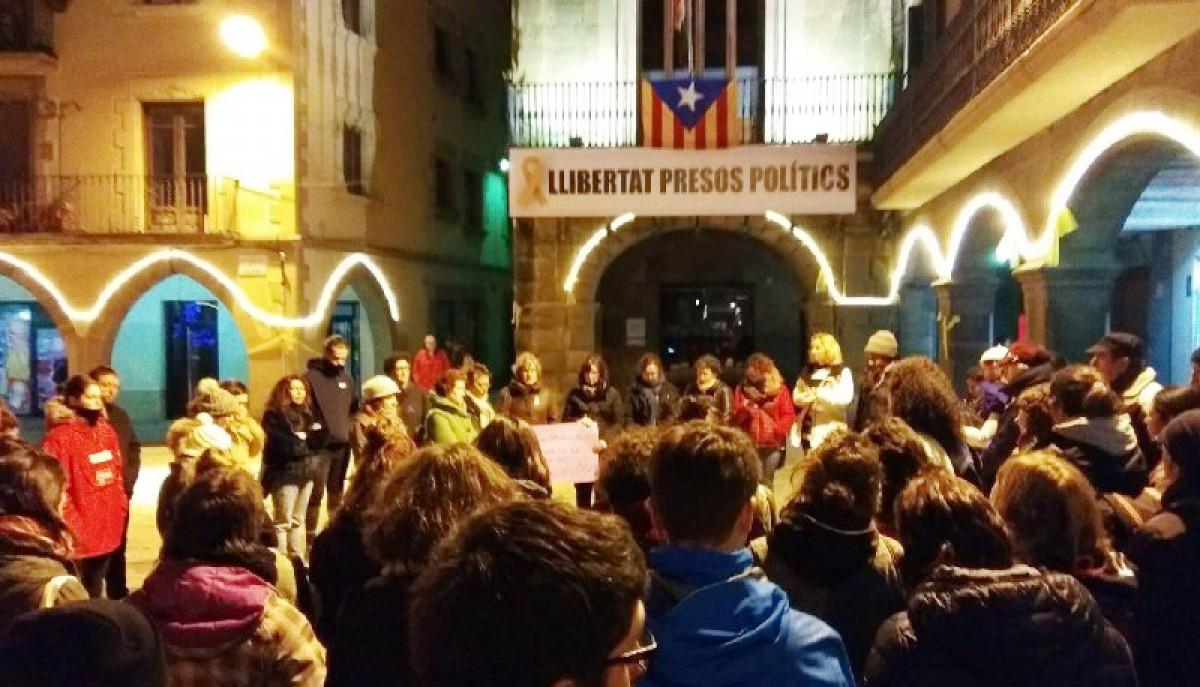 Concentració a Vic contra l'arxivament de la denúncia de les dones temporeres de Huelva
