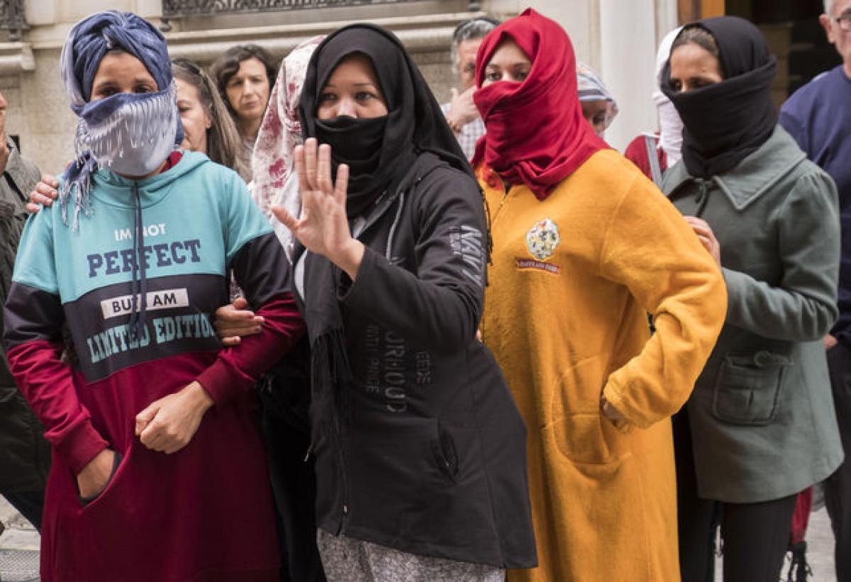 Les dones temporeres denunciants davant la Inspecció de Treball a Huelva, el passat mes de juny