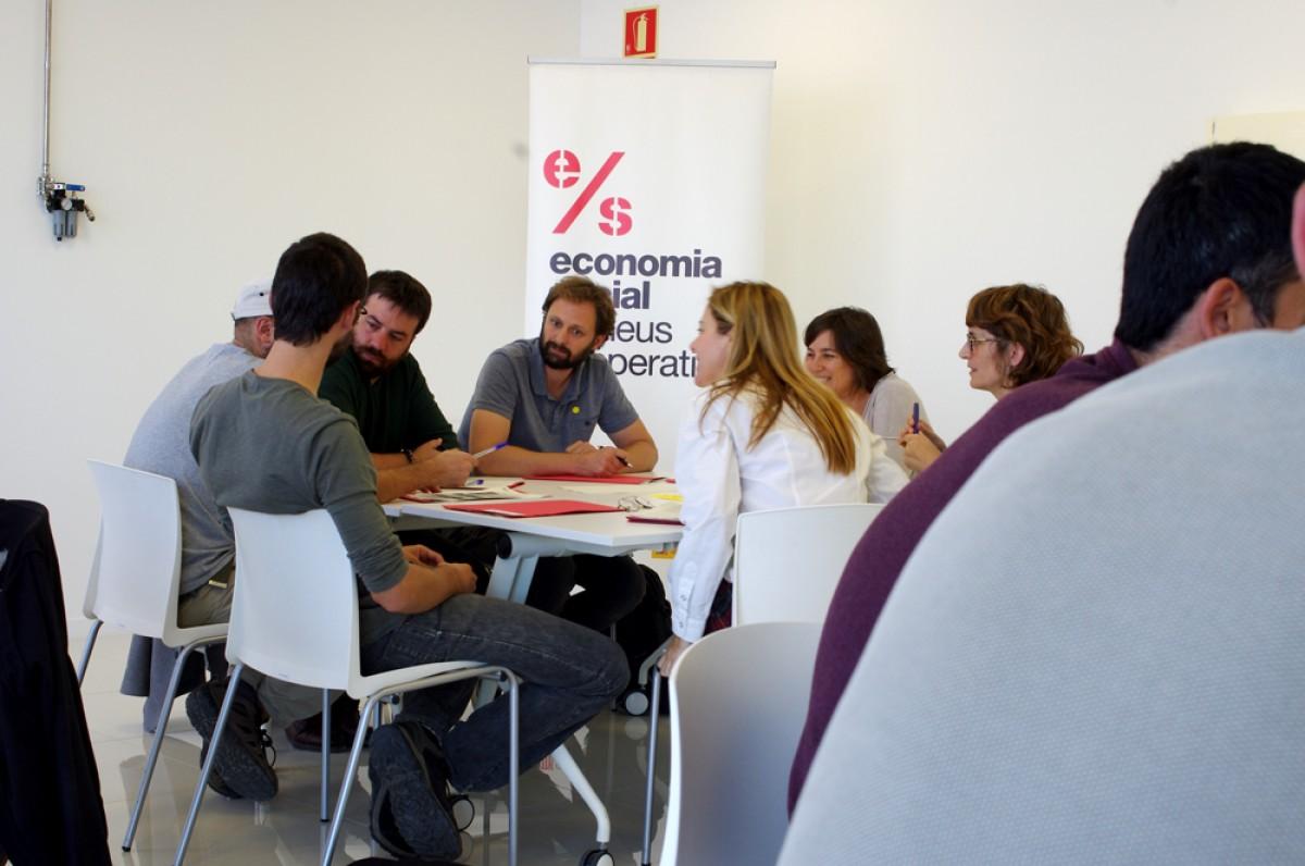 Sessió de treball a l'última taula territorial de l'Ateneu Cooperatiu de la Catalunya Central