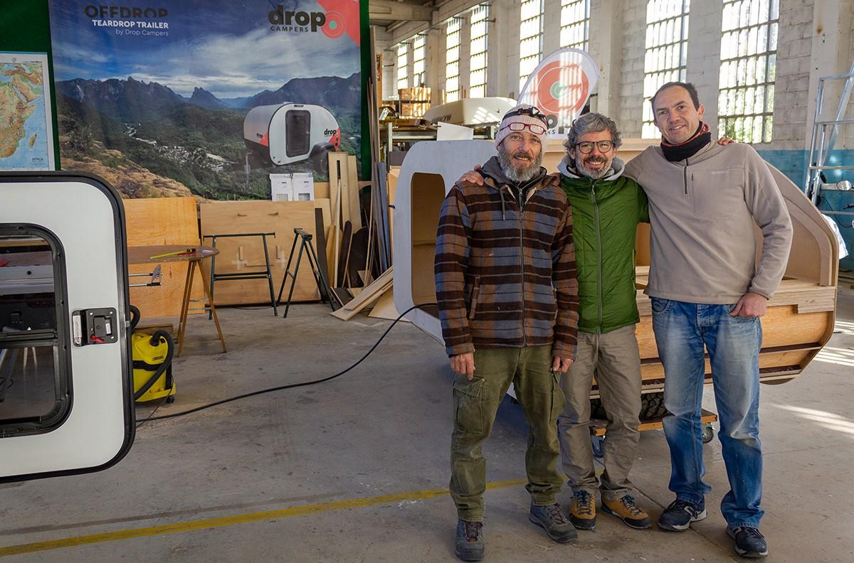 En Mario, l'Albert i en Javier, els tres socis treballadors de la cooperativa Drop Campers