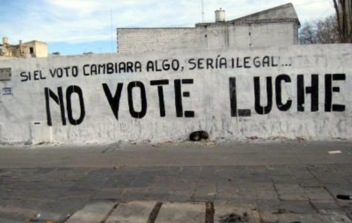 Pintada contra la prioritat de votar en la lluita pels drets socials