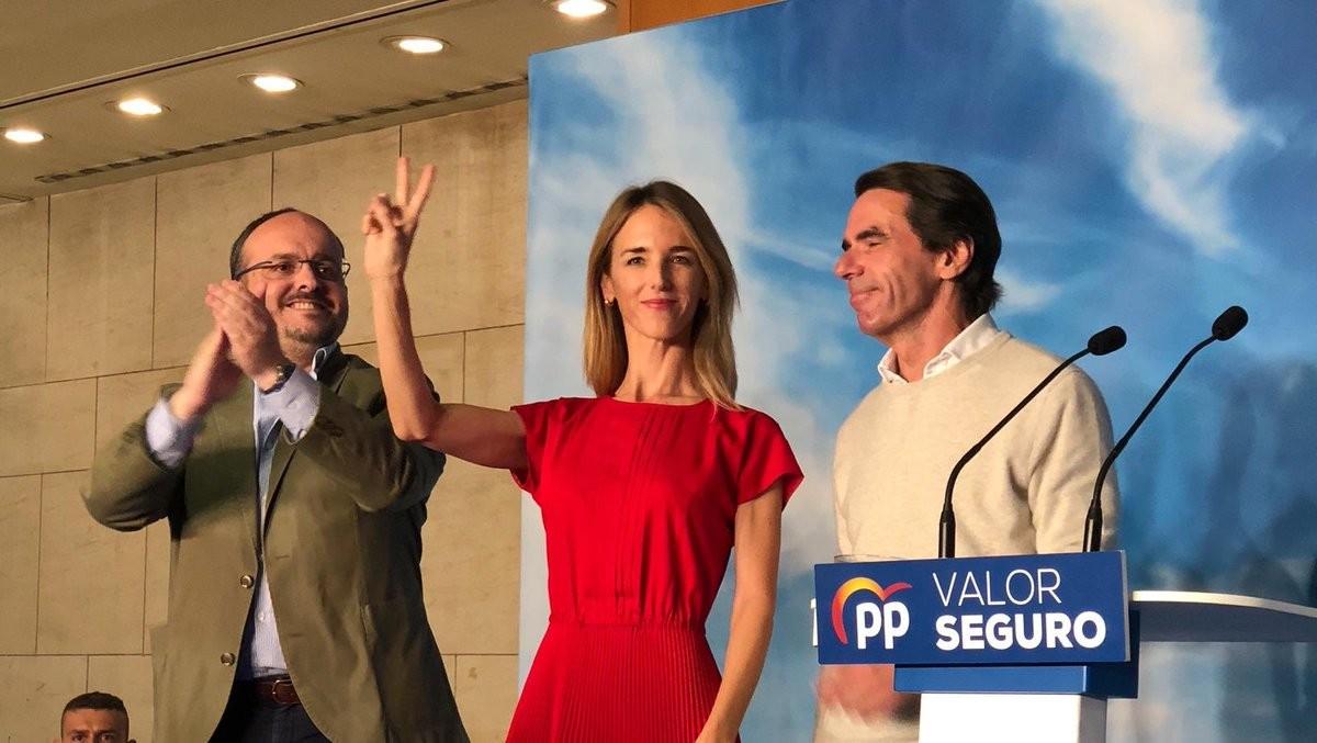 Alejandro Fernández, Cayetana Álvarez de Toledo i José Maria Aznar en un acte del Partit Popular