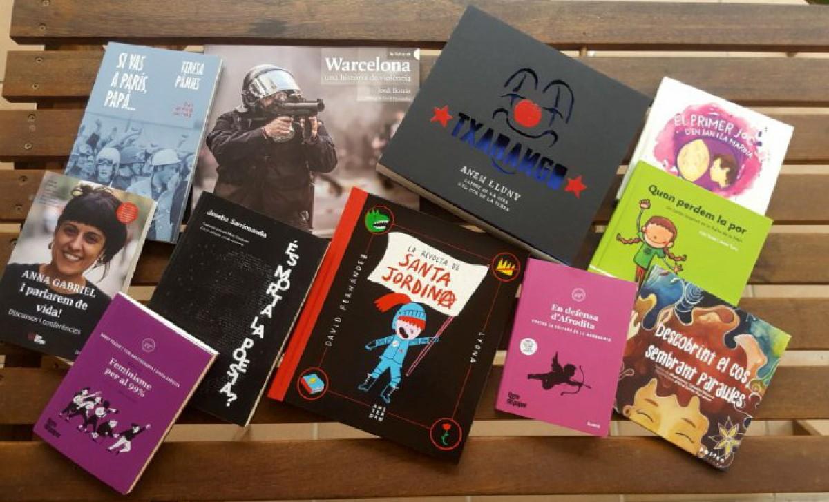 Alguns dels llibres que es podran trobar a la parada de Setembre a la rambla del Passeig de Vic