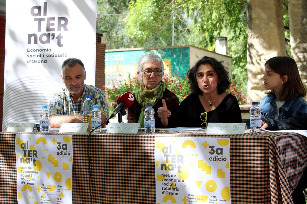 Bernat Vilarasau, Mireia Franch, Betlem Parés i Èrika Casals a la presentació d'aquest dimarts a Manlleu