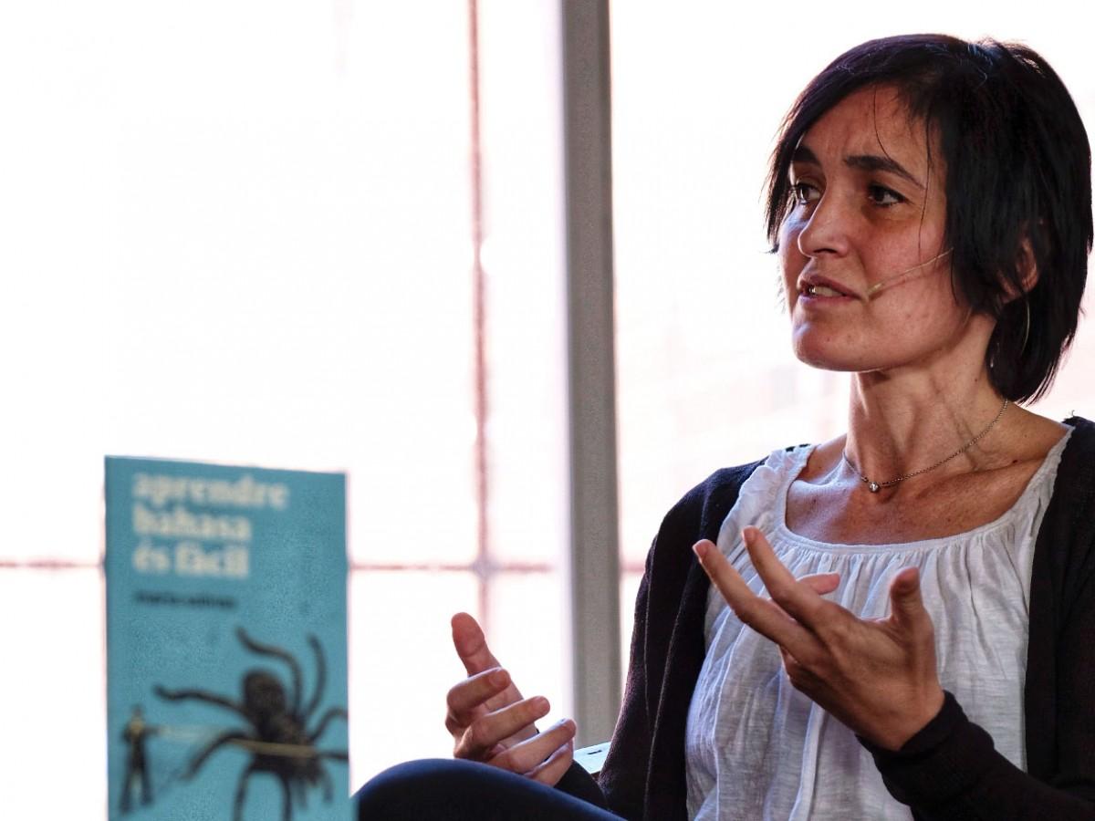 Marta Salinas durant l'entrevista a la Fira Literal