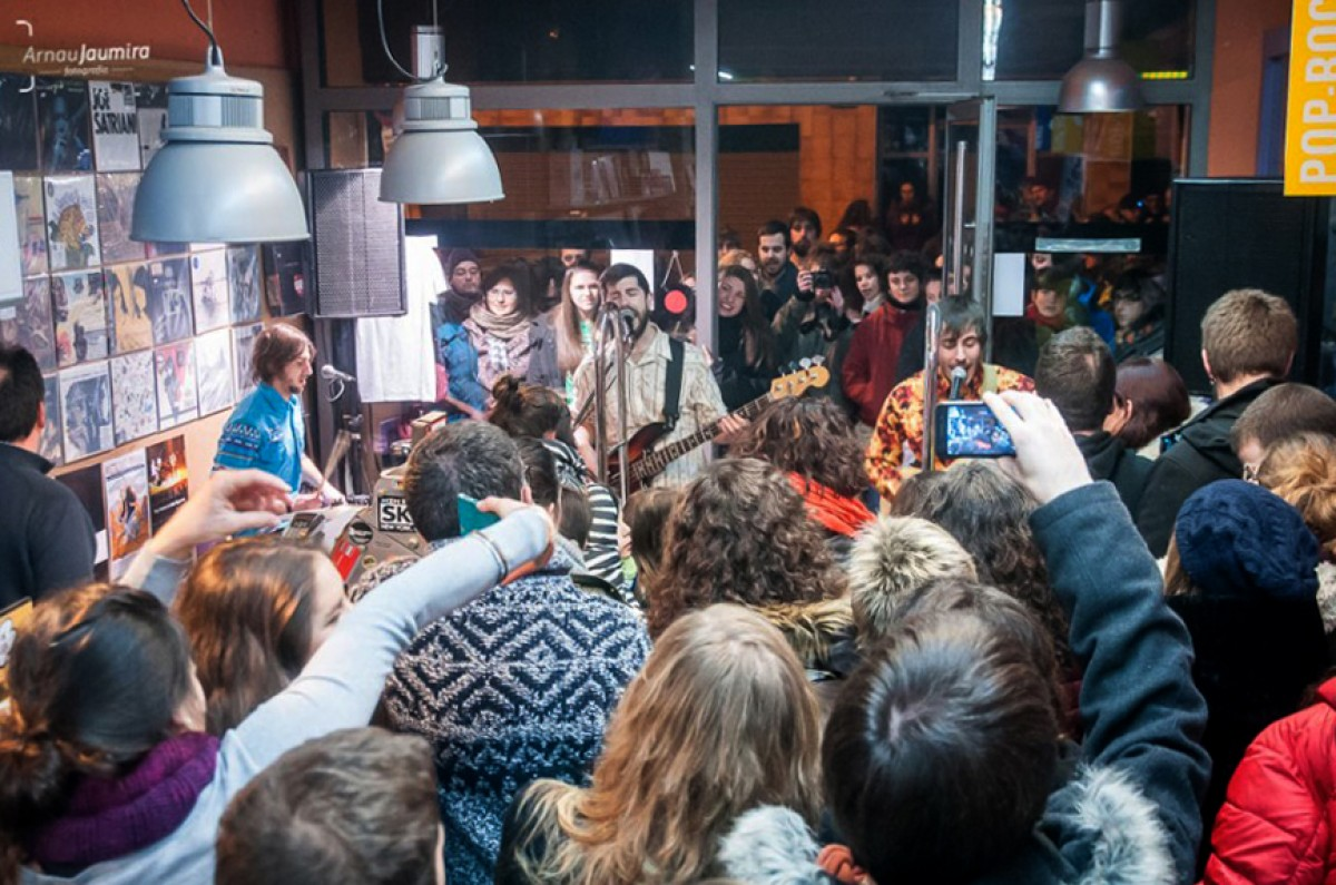 Presentació de l'àlbum 'BUM!' del grup Nyandú a la botiga de discos Martulina Divina de Vic