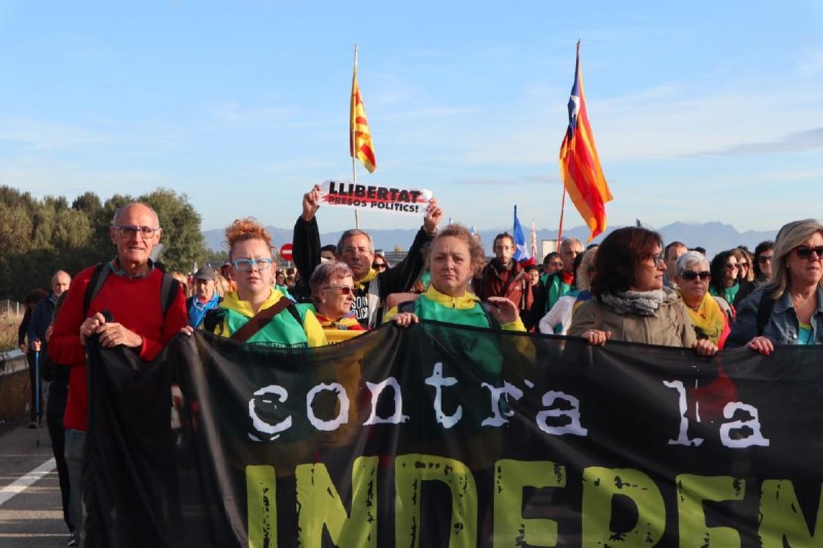 Capçalera de la Marxa per la Llibertat al seu pas per Malla