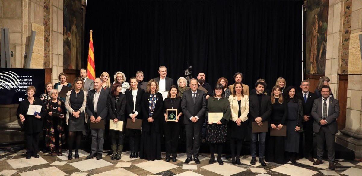 Artesans i empreses guardonades amb el president Quim Torra i la consellera Àngels Chacón