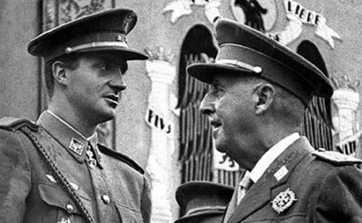 El futur rei Joan Carles amb el dictador Francisco Franco