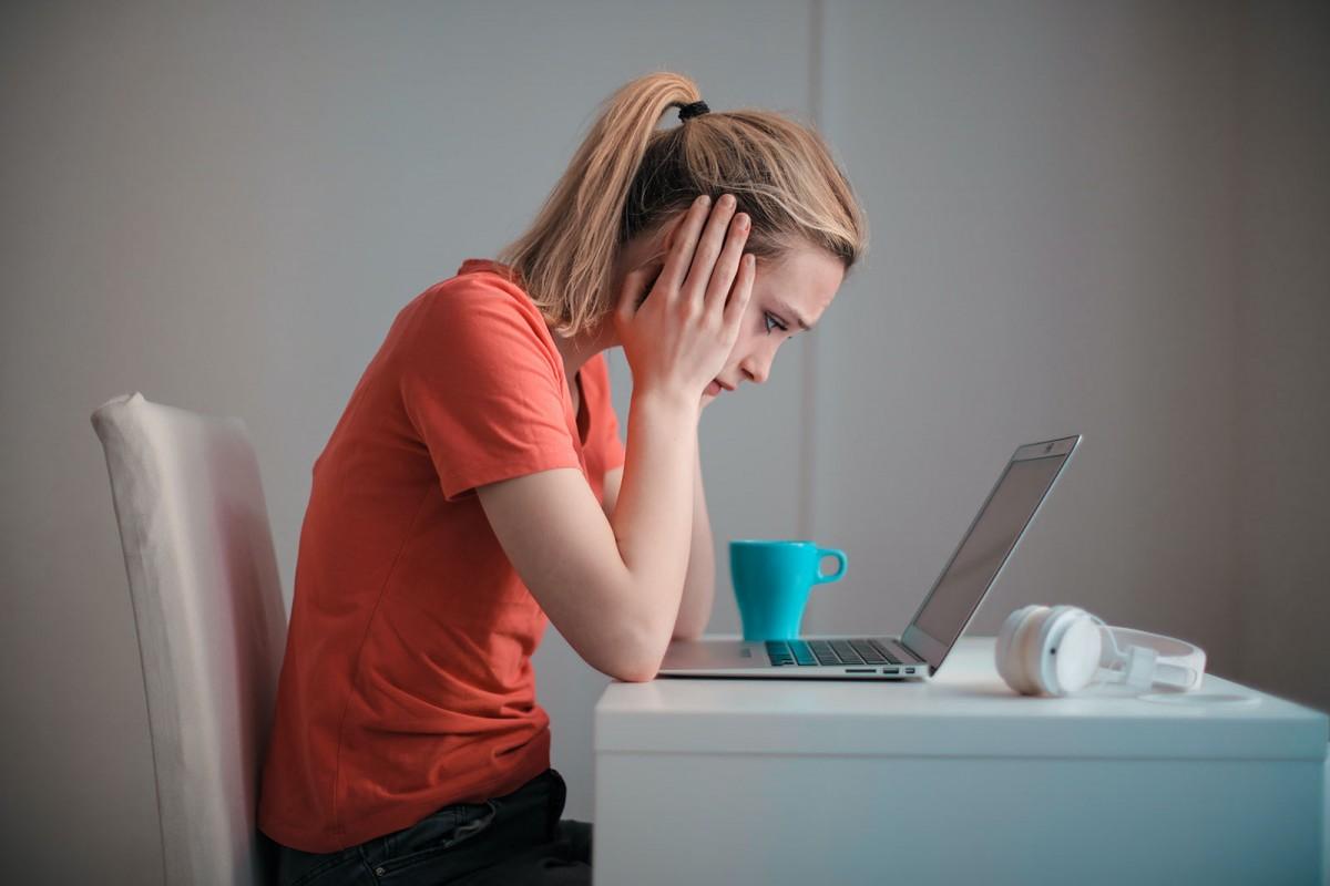 «El pitjor és que la burocràcia, ara,  ja no és ni palpable: si alguna cosa no és a l'ordinador, malament rai»