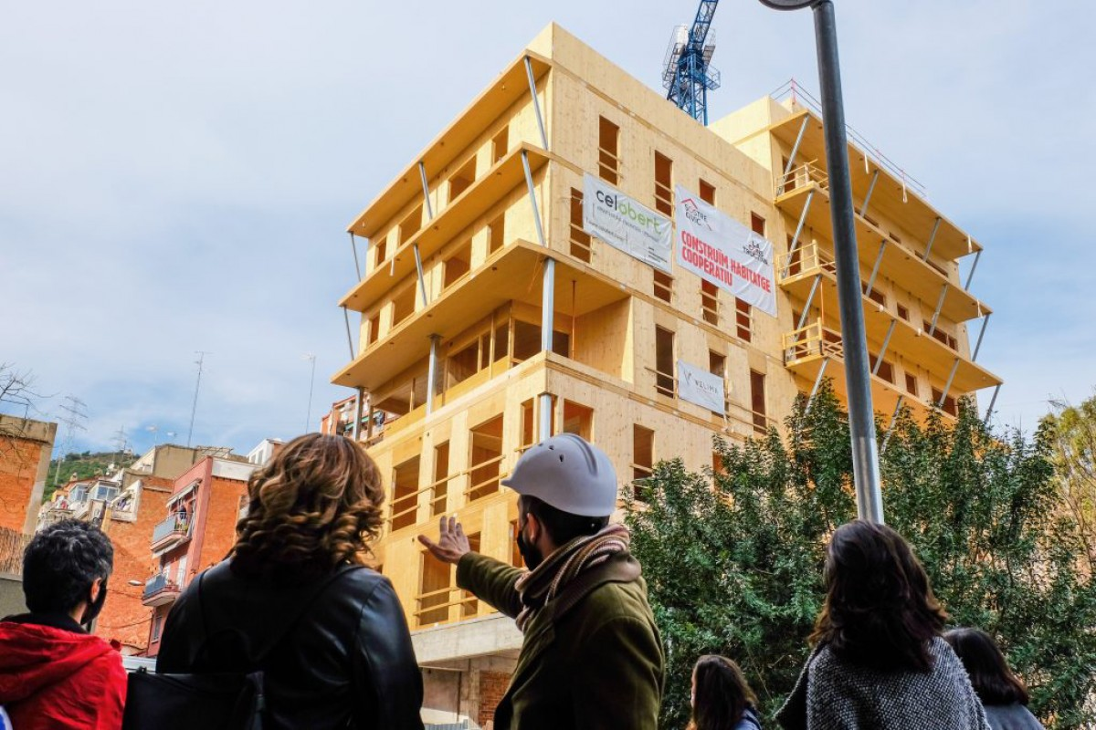 Visita d'obres aquest gener a l'edifici Cirerers, promoció d'habitatge cooperatiu al barri de Roquetes de Barcelona
