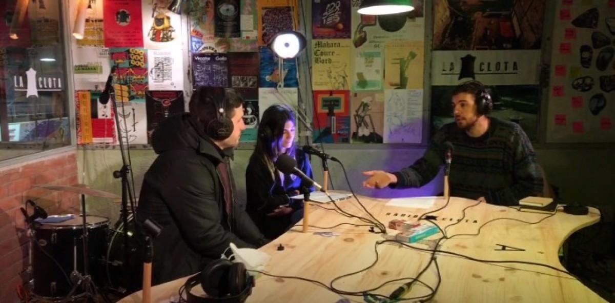Àlex Pujols, Sara Blázquez i Marcel Pujols, durant la conversa a Ràdio Clota