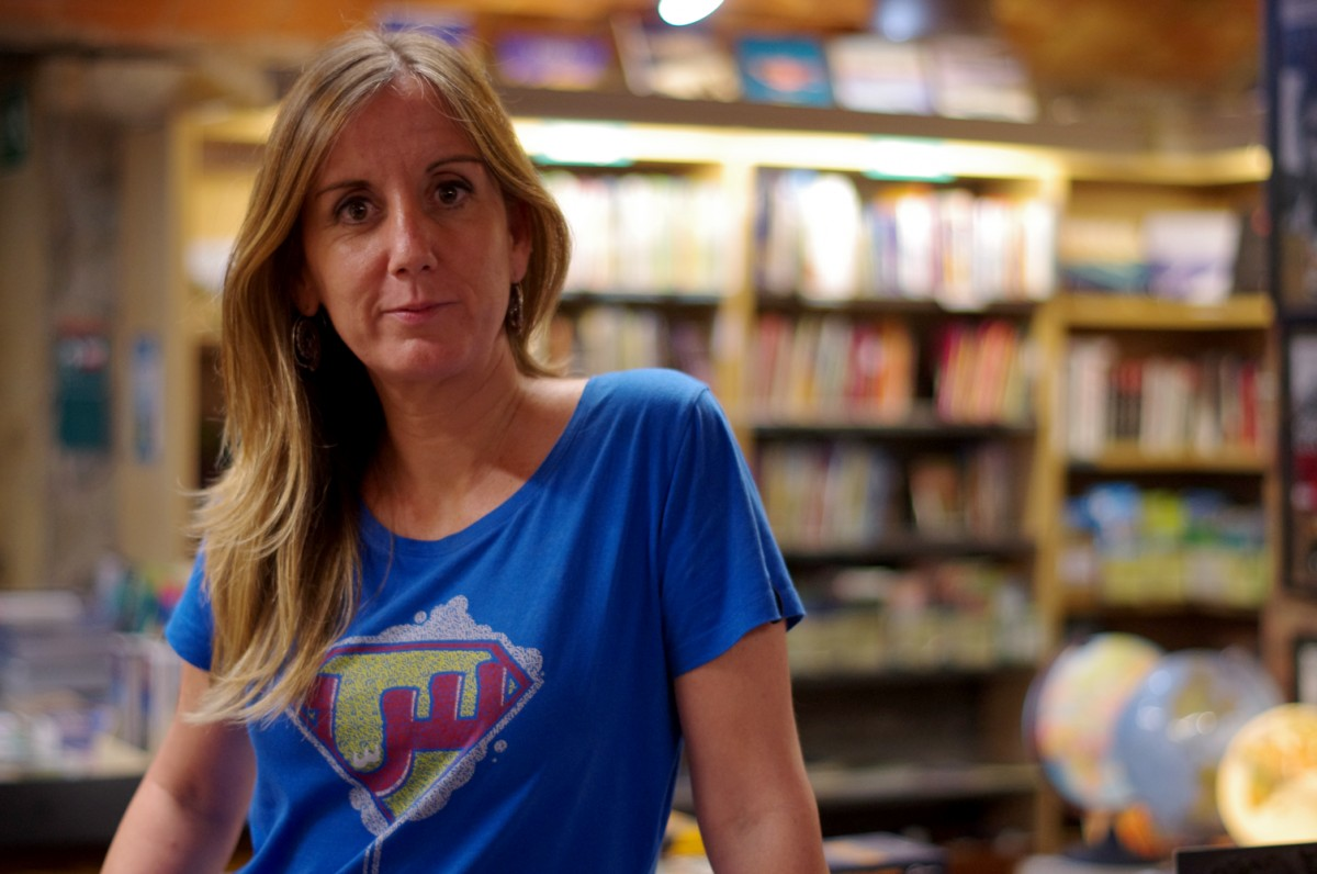 Txell Feixas Torras va presentar el seu llibre 'Dones valentes' a la llibreria Muntanya de llibres de Vic