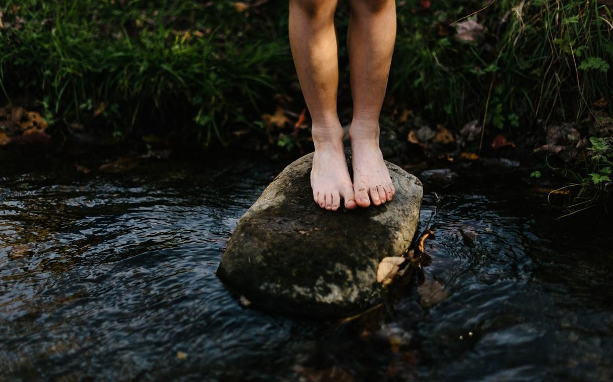 «El dolor als peus i el fred és més suportable que la por a la foscor. Una immensa nit sense lluna em fa presa d'un horror delirant»