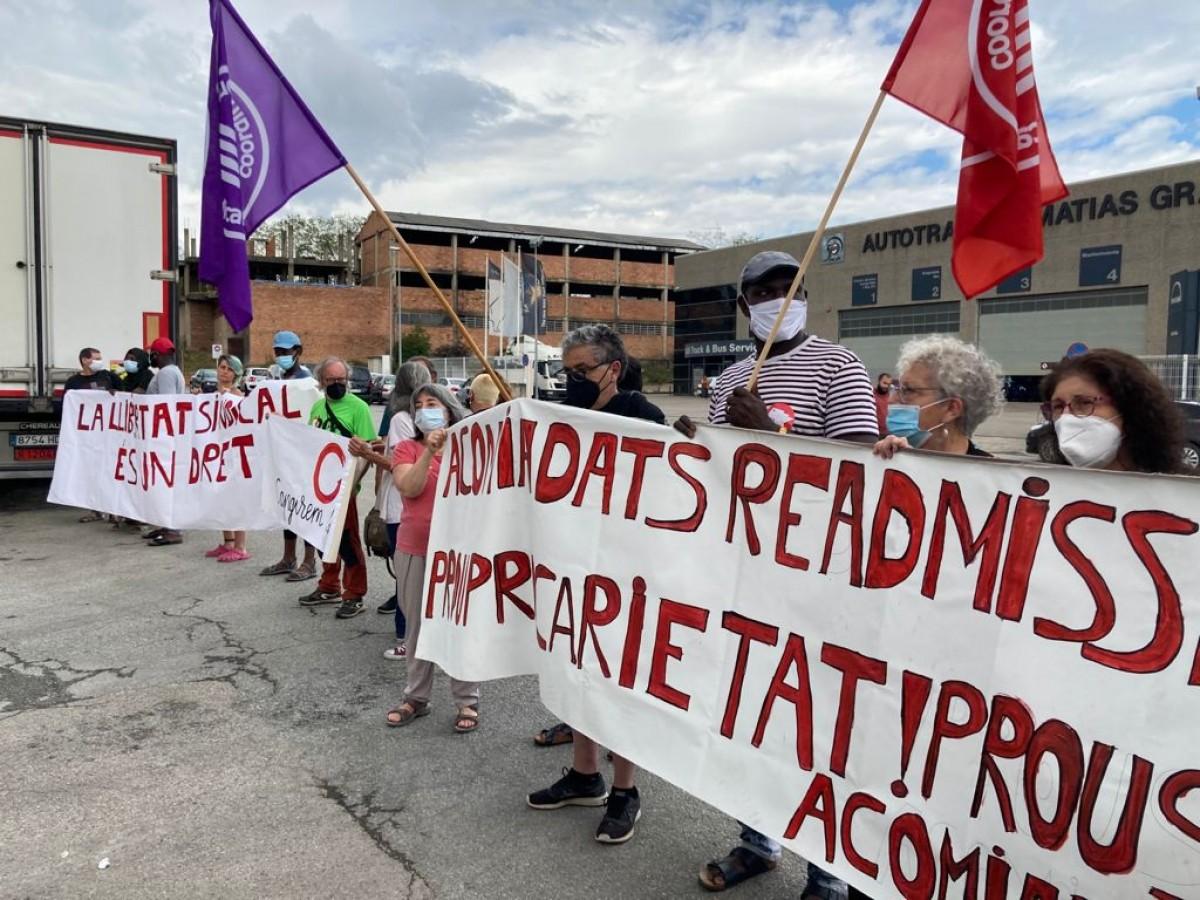 Protesta pels acomiadaments a Costa Food davant de l'empresa, dimecres passat